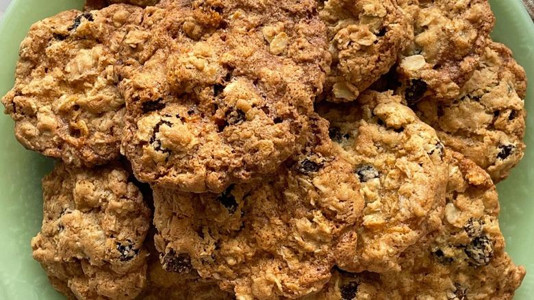 oatmeal raisin cookies plated