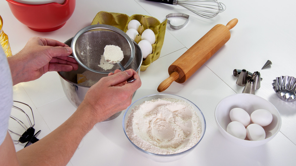 Baking and sifting