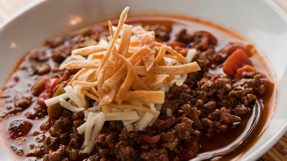 A bowl of chili con carne.