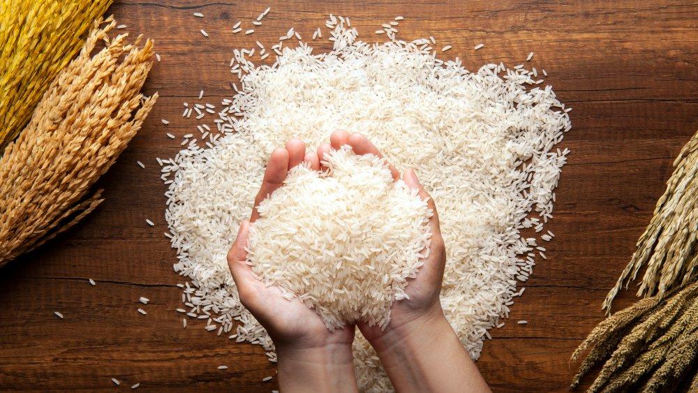 Handful of white rice