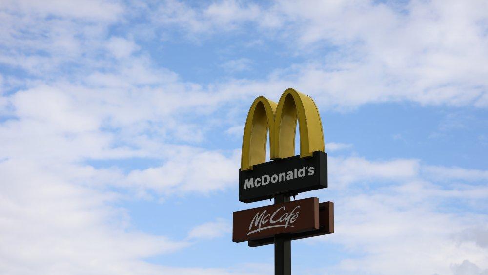 McDoanld's sign