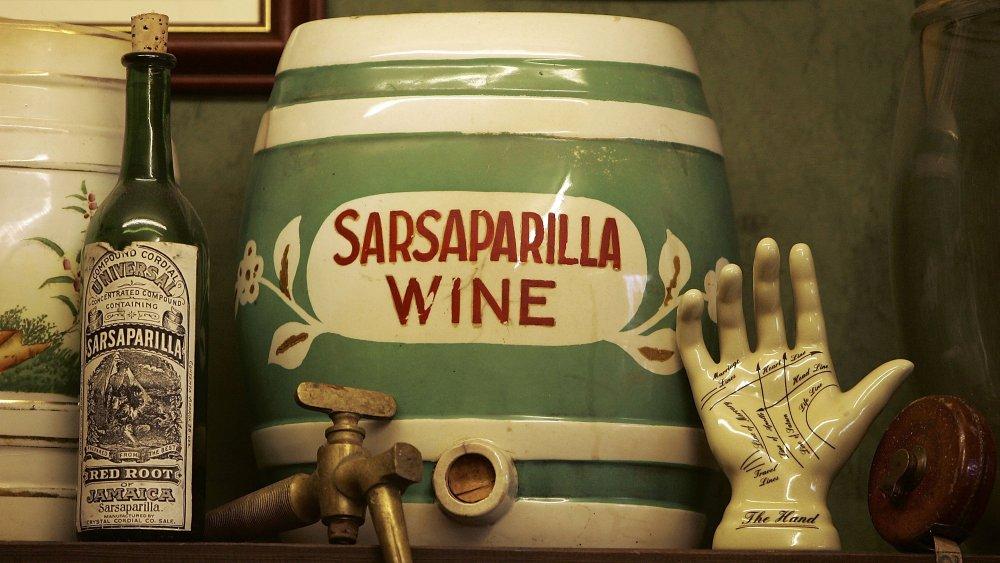 Sarsaparilla wine decanter