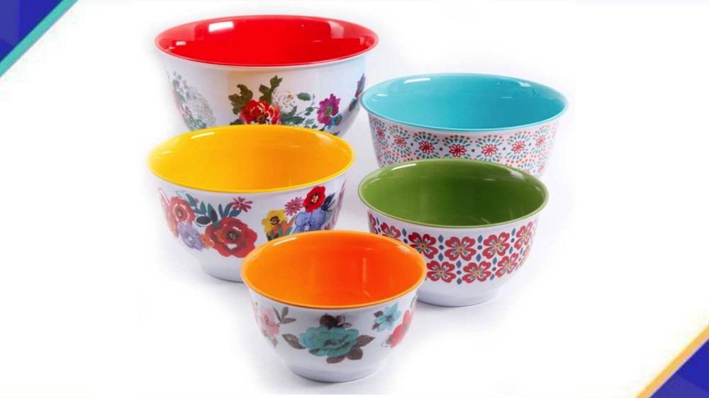 Pioneer Woman bowls