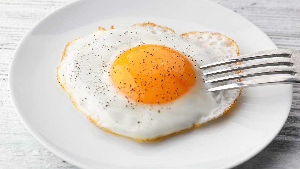 Sunny-side up egg