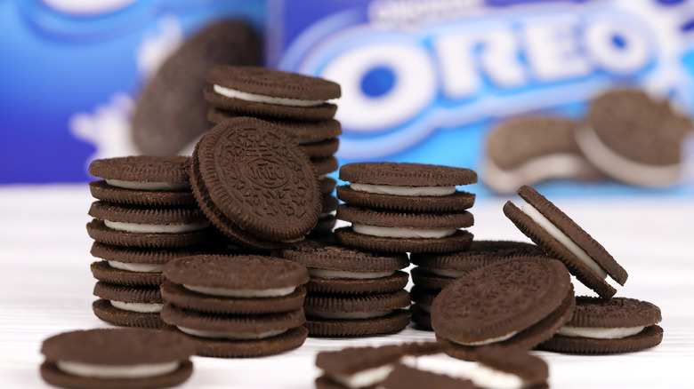Oreo cookies with packaging