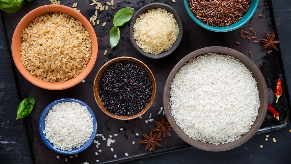Light and dark rice types
