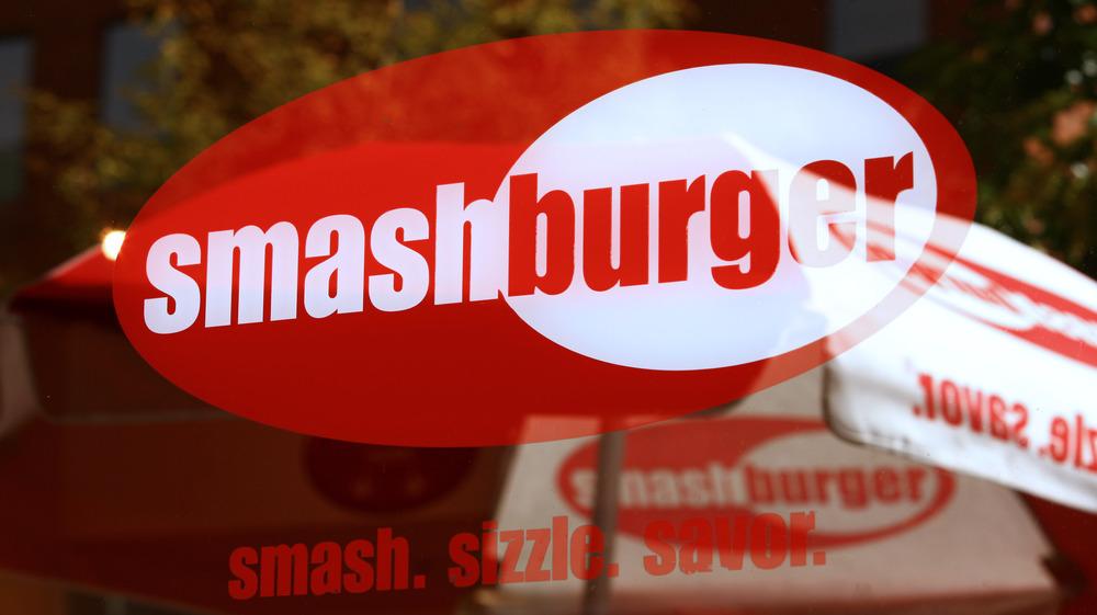 Smashburger sign