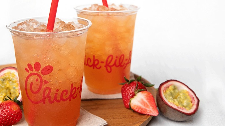 chick-fil-a strawberry passion tea lemonade