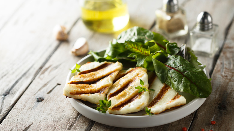 Grilled halloumi on a plate