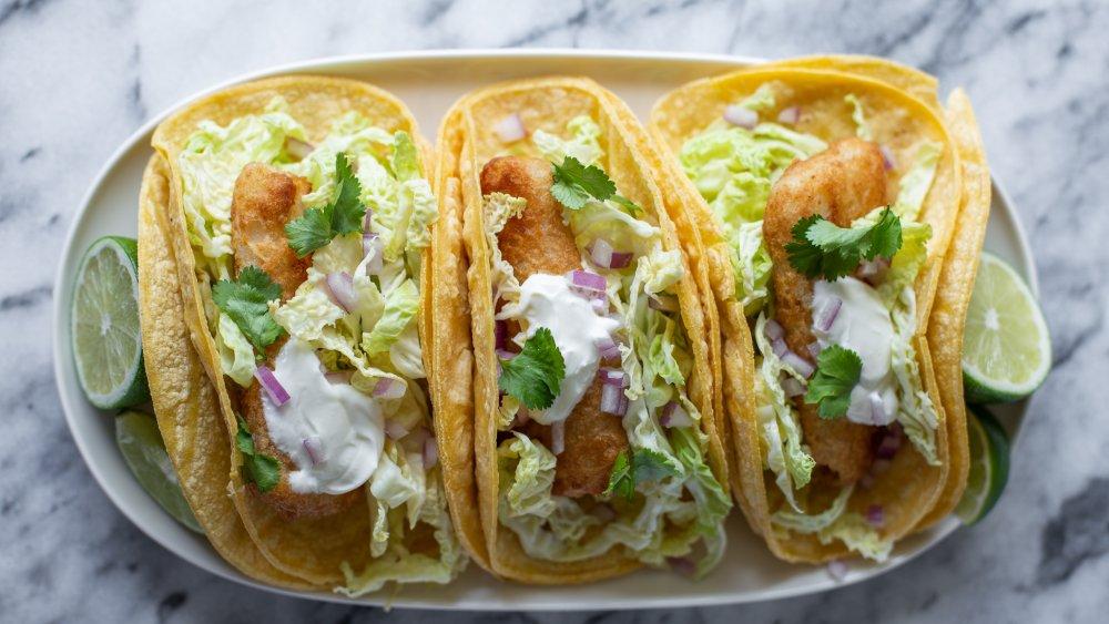 2 tortillas tacos