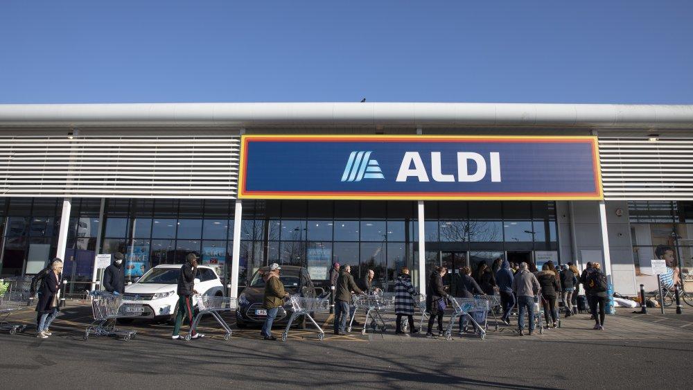 shoppers at Aldi