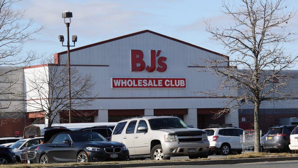 Shopper leaving BJ's