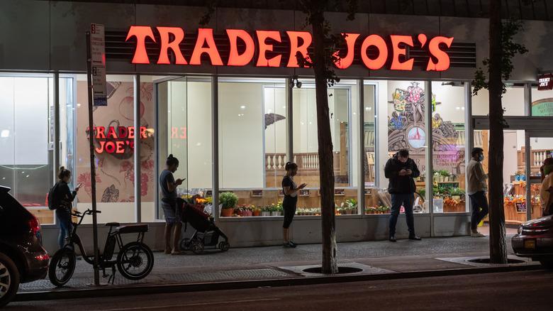 Trader Joe's line outside