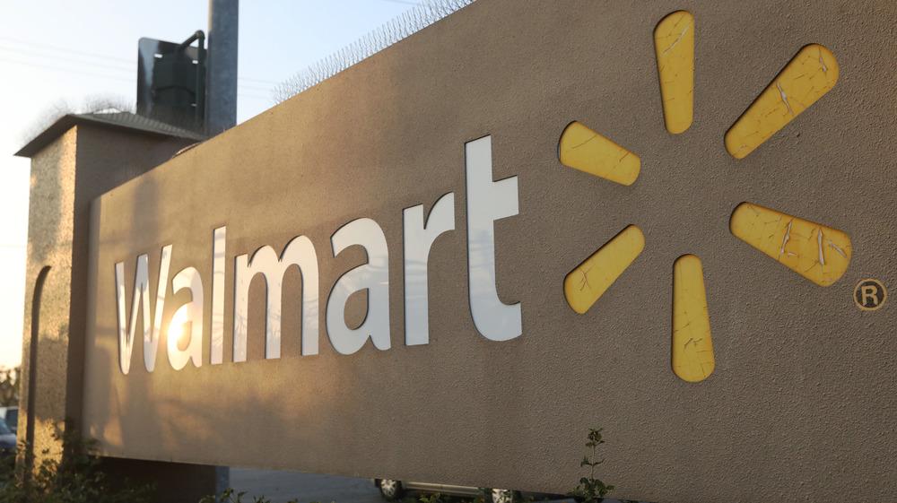 FILE: Walmart signage