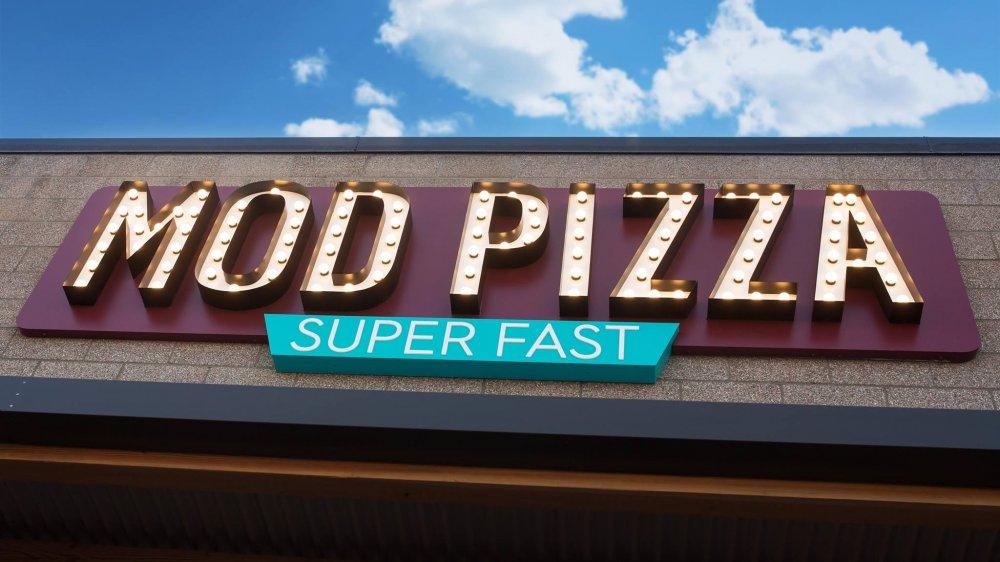 MOD Pizza sign