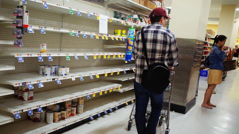 empty grocery shelf