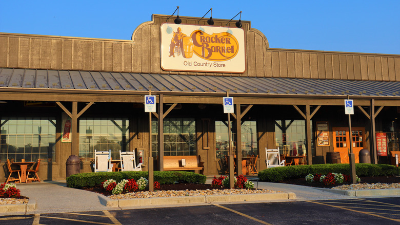 Cracker Barrel store