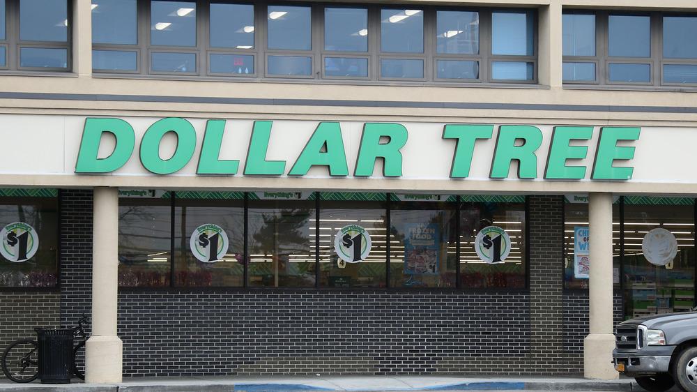 Dollar Tree store exterior