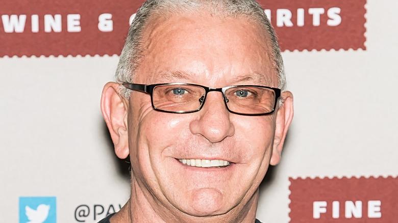 Robert Irvine wearing glasses