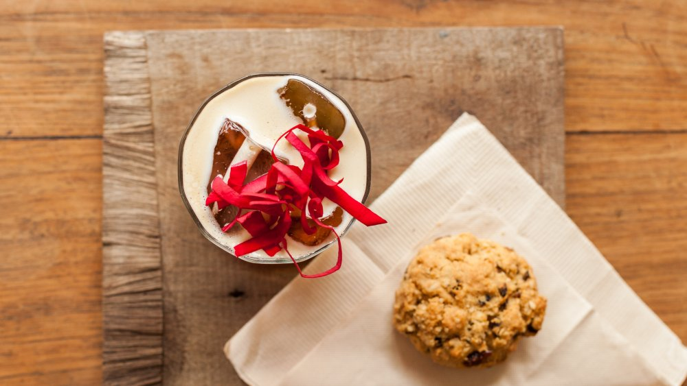 Iced coffee with rosewater and a scone
