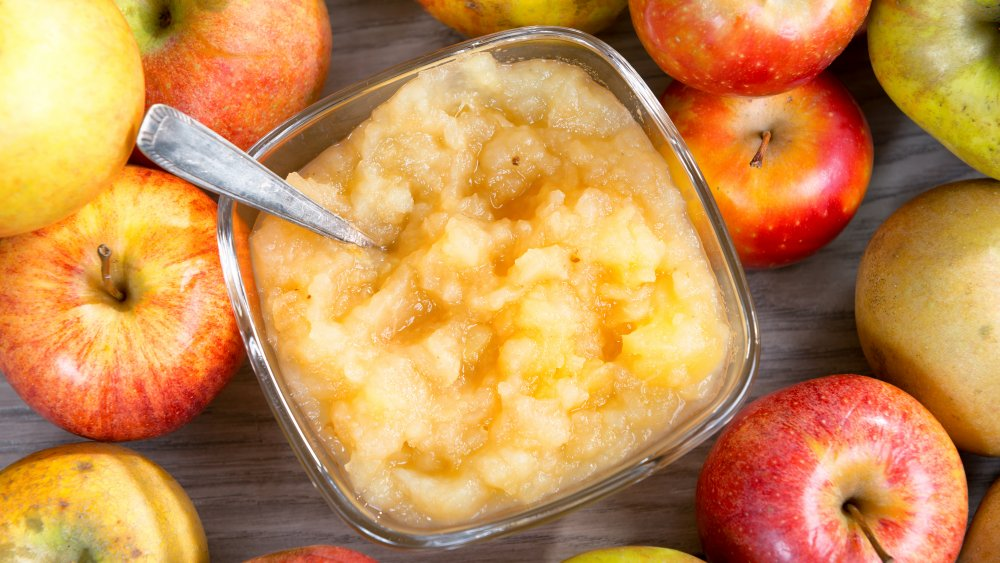 applesauce with apples around the bowl
