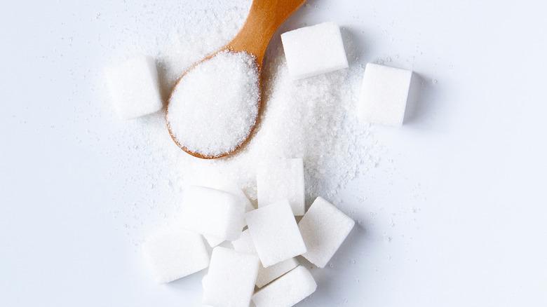 Sugar and cubes