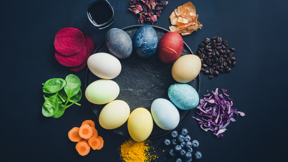 Dyed eggs, not what this article is about per se. BUUUUUUUUT, I thought they looked pretty and we are discussing colors SOOOOOOOO.... voila!