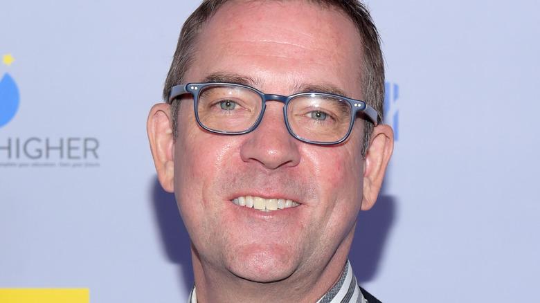 Headshot of Ted Allen in glasses