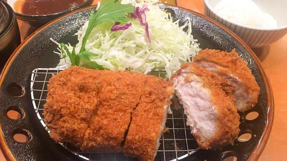 A plate of tonkatsu