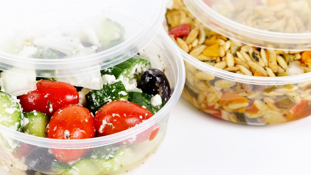 plastic takeout containers