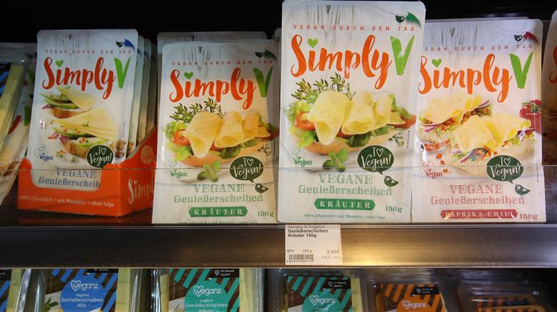 Vegan cheese packets