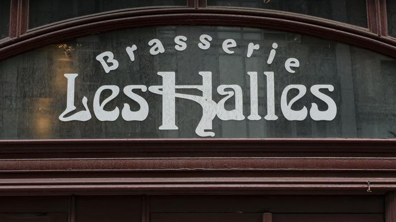 Brasserie Les Halles sign