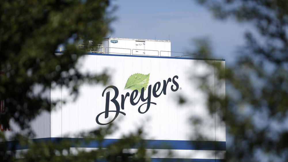 Breyers ice cream logo on building
