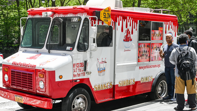 Ice cream truck line