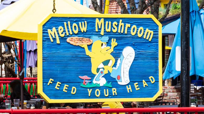 Mellow Mushroom restaurant exterior