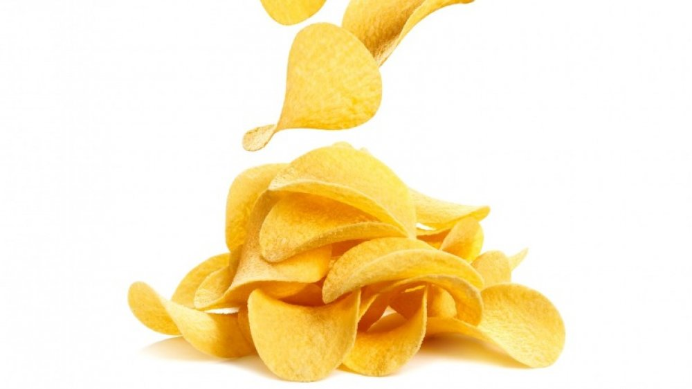 Pringles falling onto a pile