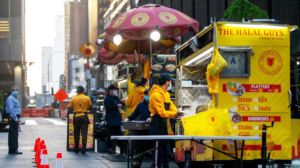 Halal Guys food cart in Manhattan