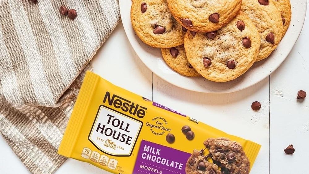 Cookies and chocolate chunks