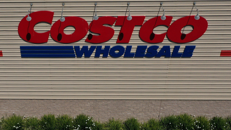 A generic image of Costco