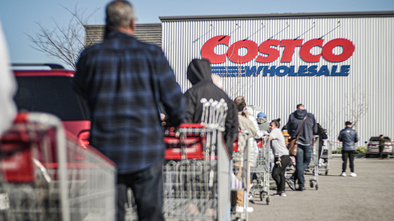 Long line of Costco shoppers