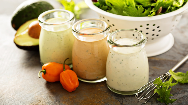 Different types of ranch dressing