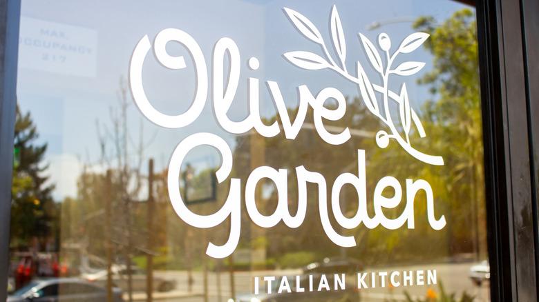 Olive Garden restaurant window