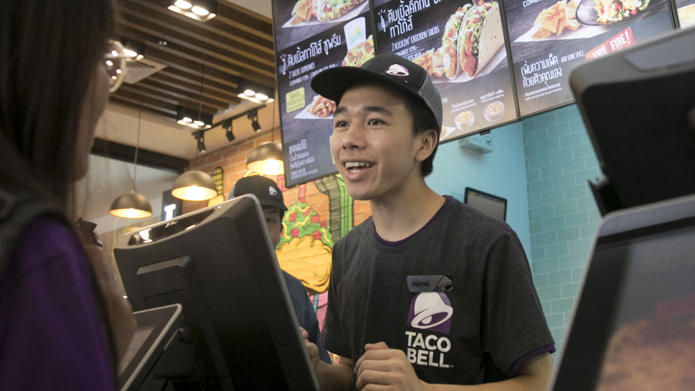 Taco Bell worker