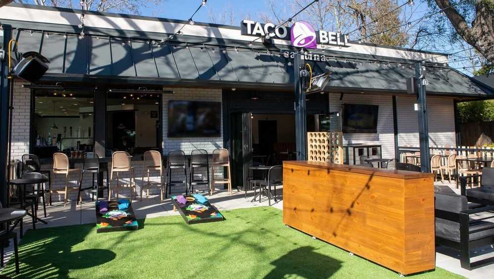 empty Taco Bell Cantina
