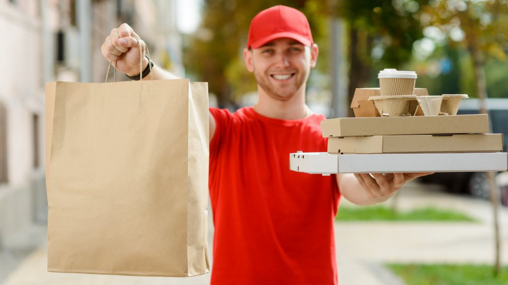 Food delivery for free in a coronavirus economy