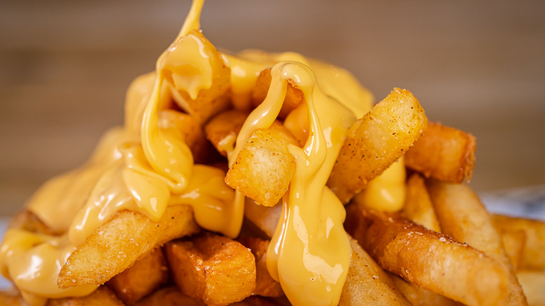Melted cheese on french fries