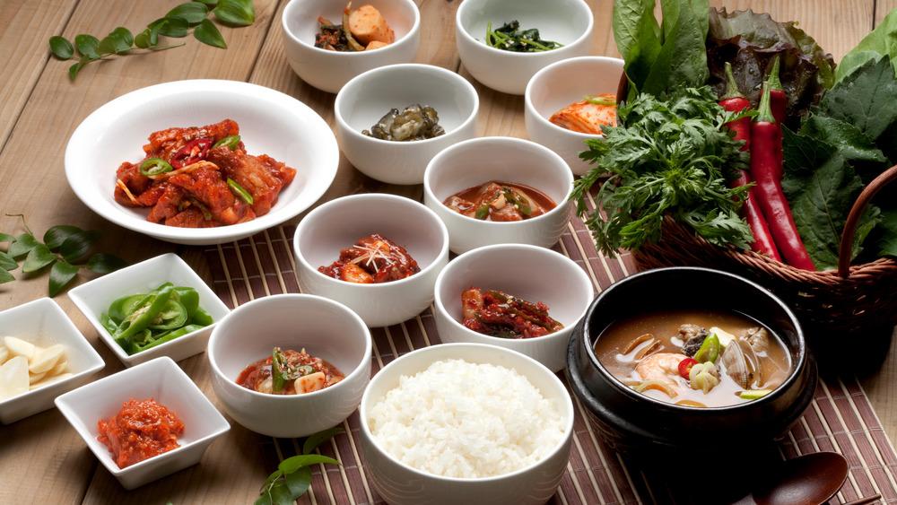 Popular Korean restaurant menu items
