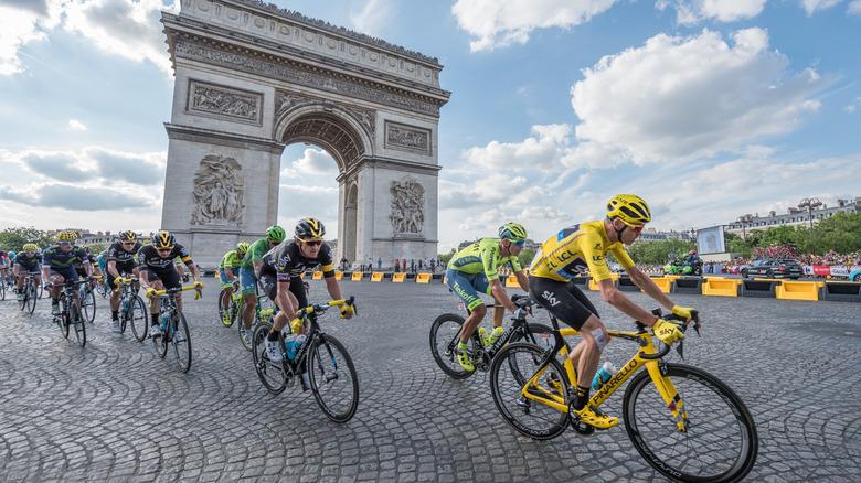 Cyclists at Tour de France