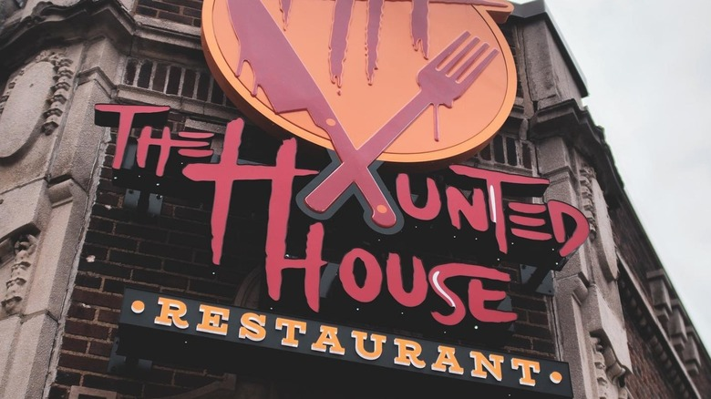 The Haunted House Restaurant exterior