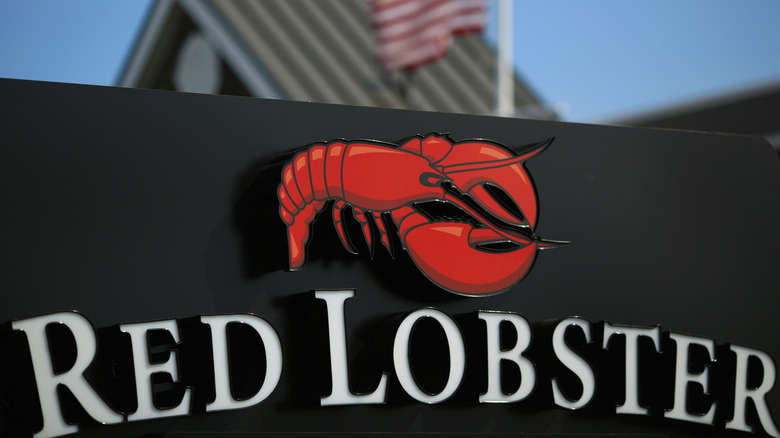 Red Lobster restaurant sign